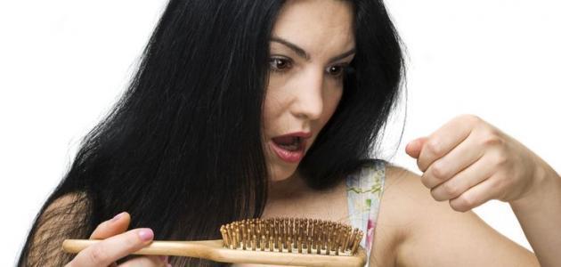 بالصور اسباب تساقط الشعر بغزارة عند البنات , مشاكل سقوط شعر الفتاة 176