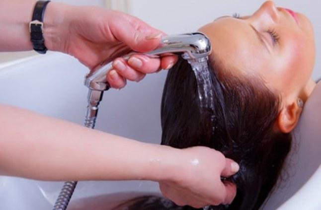 صوره فوائد غسل الشعر يوميا , اهميه العنايه بالشعر وغسله كل يوم