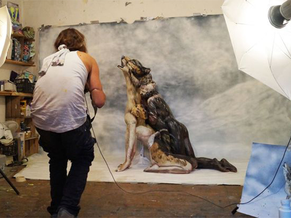 بالصور دقق في الصورة التي ربح مصممها مليون دولار , ابداع الفنان وتالقه 373 7