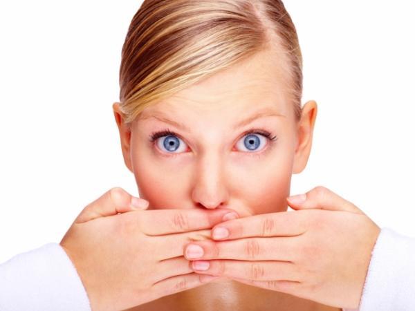 صورة علاج رائحة الفم الكريهة عند الاستيقاظ من النوم , تعرف علي طرق العلاج رائحه الفم