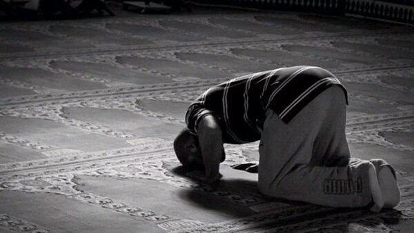 صور رؤيا الصلاة في المنام , تفسير حلم من راى انه يصلي