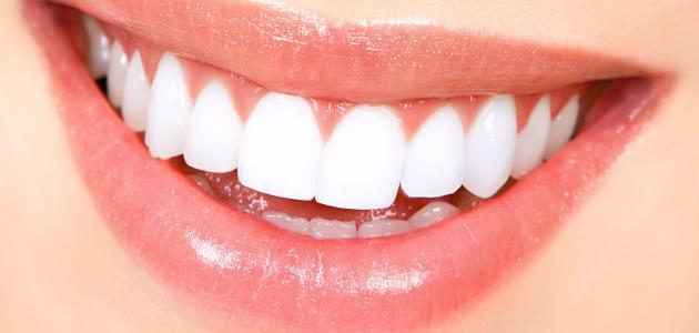 صور اسهل طريقة لتبييض الاسنان , كيفية تفتيح الاسنان بسهولة