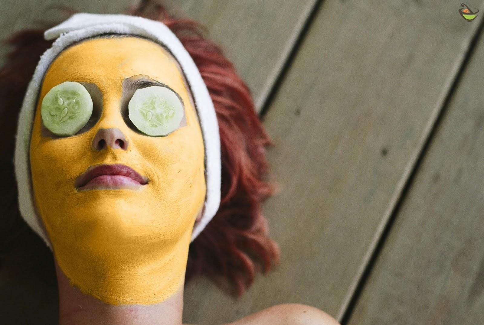 صوره اضرار الكركم على الوجه , هل يوجد مخاطر من وضع كركم على البشرة