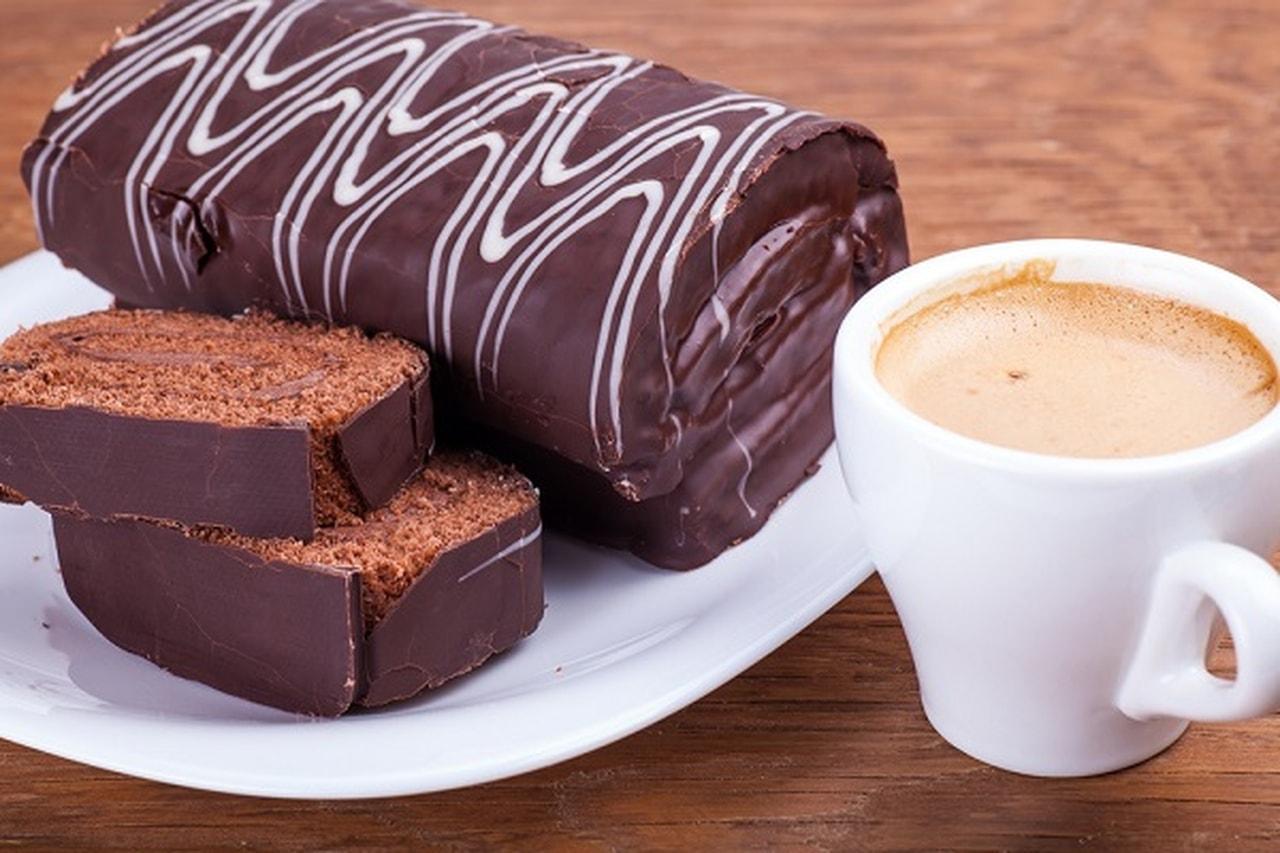 صورة طريقة عمل سويسرول الشوكولاتة , تجهيز سويسرول بالشوكولاتة اللذيذة