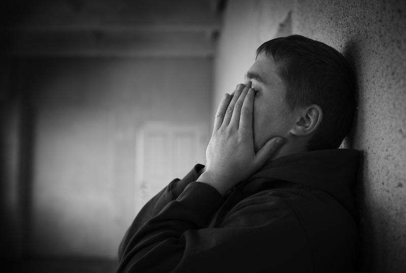 صوره اجمل صور شباب حزينه , خلفيات حزن عن الشباب