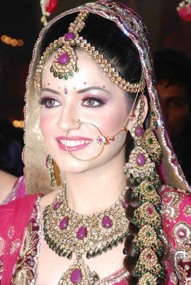 بالصور اجمل بنات في الهند , خلفيات فتيات هندية بالساري 1329 1