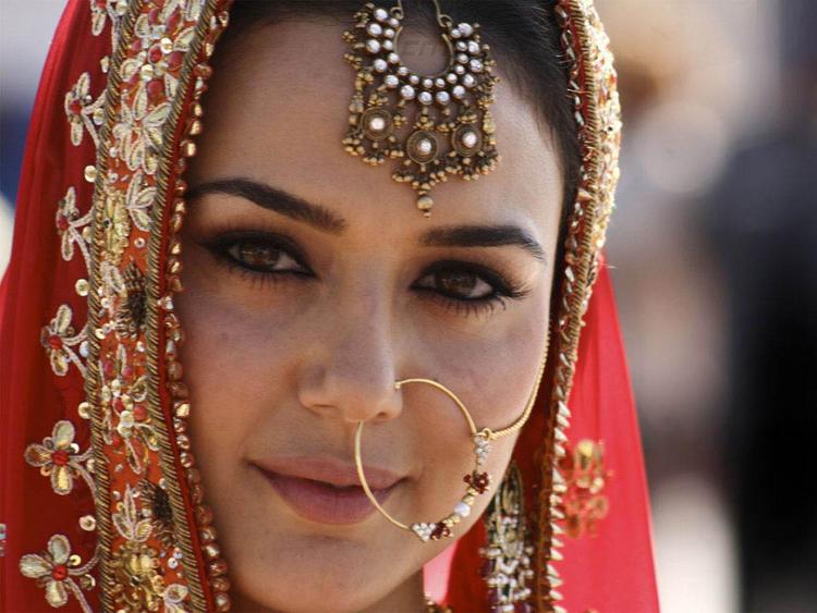 بالصور اجمل بنات في الهند , خلفيات فتيات هندية بالساري 1329 7