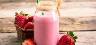 صوره طريقة عمل ميلك شيك فراولة , لعشاق الفراوله واجمل ميلك شيك