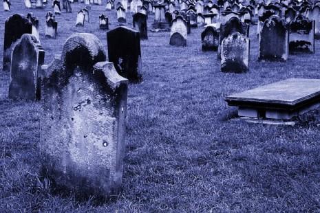 صورة الحلم بموت شخص الحلم بوفاة شخص , تفسير رؤيه موت شخص فى المنام 5595