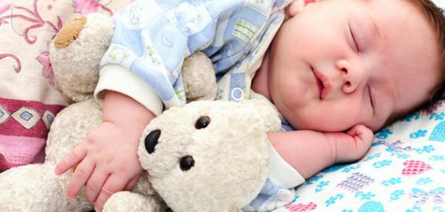 صوره تنظيم نوم الطفل الرضيع , المواعيد الصحيحة لتنويم الطفل