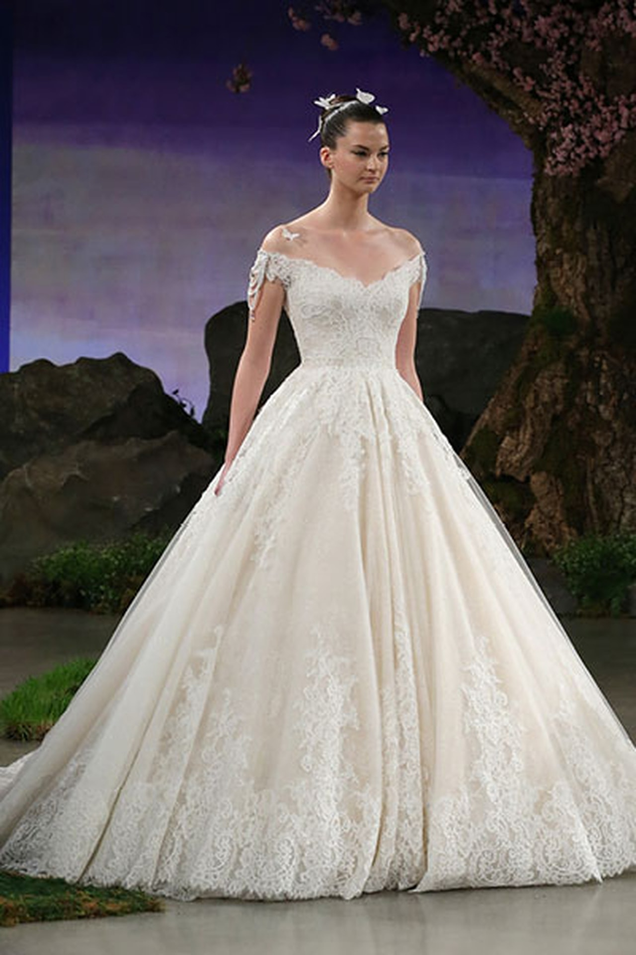 6df3d96e3 تصميم فساتين زفاف , فساتين افراح خيالية - افضل جديد