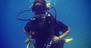 صورة السباحة في البحر في المنام , تفسير الغوص في منام