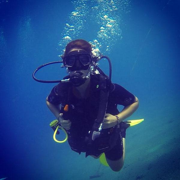 صور السباحة في البحر في المنام , تفسير الغوص في منام