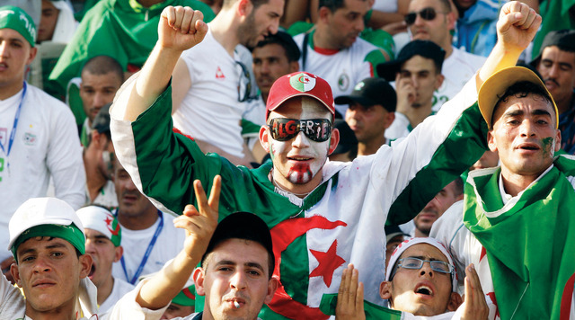 بالصور صور المنتخب الوطني الجزائري , اجمل شعارات المنتخب الوطنى الجزائري 2914 9