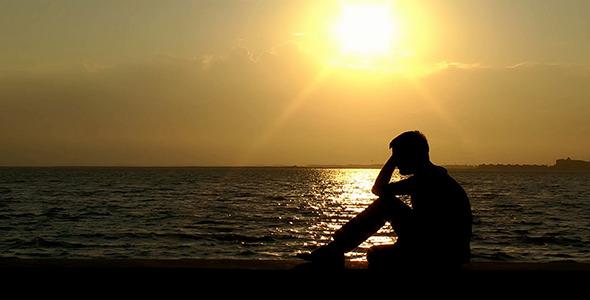 بالصور صور شاب حزين , خلفيات للشباب حزينة جدا 2916 6