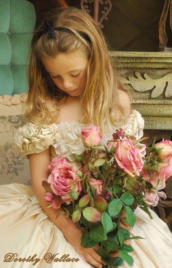 صورة صور خلفيات ورد , احلى خلفية بنات معاها زهور رائعة الجمال 3039 3