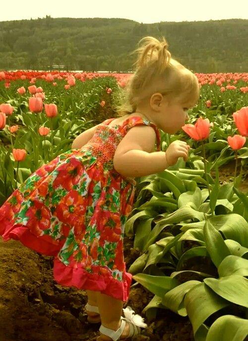 صورة صور خلفيات ورد , احلى خلفية بنات معاها زهور رائعة الجمال 3039 4