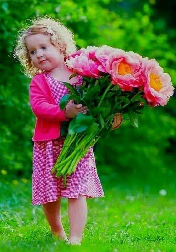 صورة صور خلفيات ورد , احلى خلفية بنات معاها زهور رائعة الجمال 3039 8