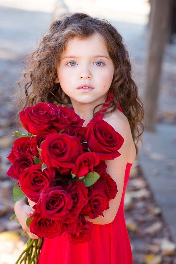 صورة صور خلفيات ورد , احلى خلفية بنات معاها زهور رائعة الجمال 3039