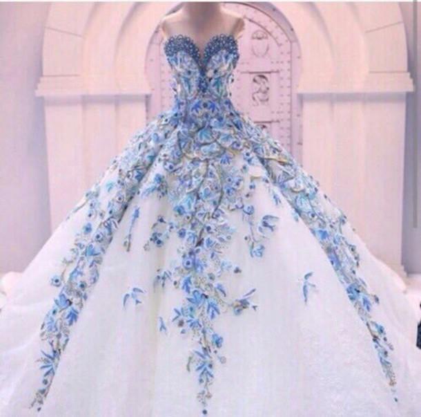 بالصور اجمل ملابس العروس , لبس جميل جدا لكل عروسه 3405