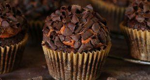 صوره كب كيك بالشوكولاته سهل , اسرع طريقة عمل كب كيك بطعم الشوكولاتة