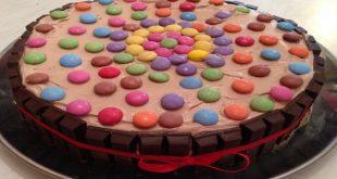 صورة كيفية تزيين الكيك , طريقه تزيين الكيكه بشكل سهل وبسيط
