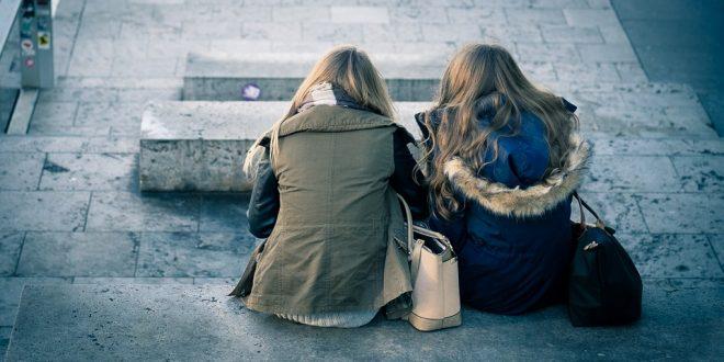 صور قصيدة عن الصديقة , كلمات جميلة و معبرة عن الصديقة