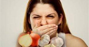 بالصور يستخدم للتخلص من روائح الثوم , تعرف علي فوائد الثوم و كيفية التخلص من رائحته في الفم