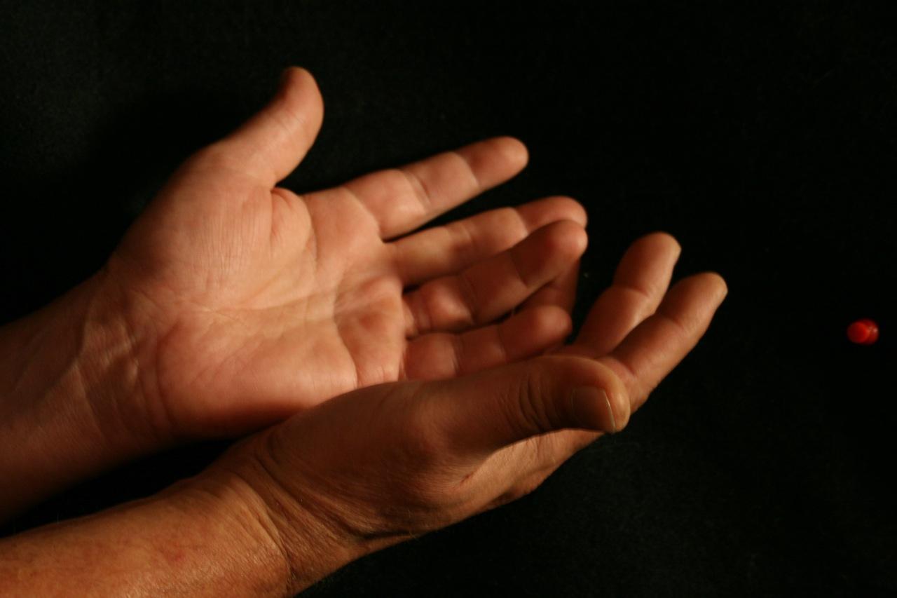 صورة اعراض جلطة اليد , كيفيه الوقايه من جلطه اليد