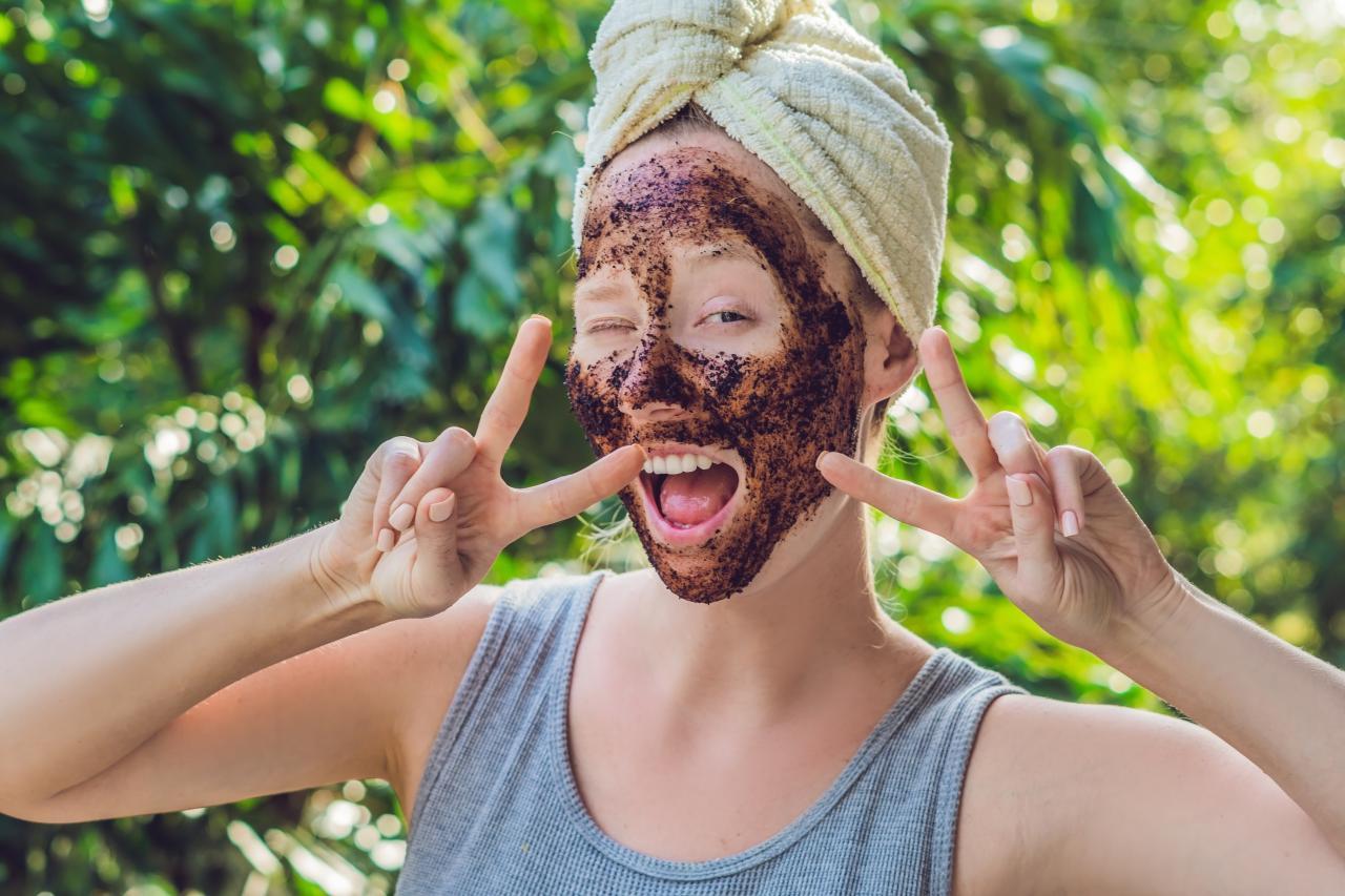 صور فوائد بقايا القهوة للوجه , اهميه القهوه فى ماسك الوجه